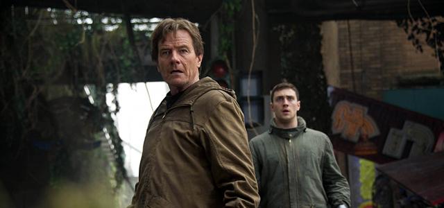 Bryan-Cranston-and-Aaron-Johnson-in-Godzilla-2014-Movie-Image