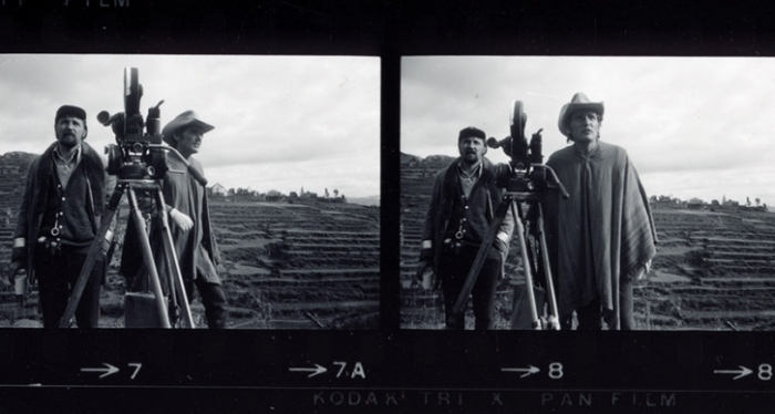 for_web-ALONG_FOR_THE_RIDE_-_Dennis_Hopper_+_Lazlo_Kovacs_in_Chinchero_Peru_on_the_set_of_THE_LAST_MOVIE_PHOTO_Dennis_Stock_1970-1509386392-726x388